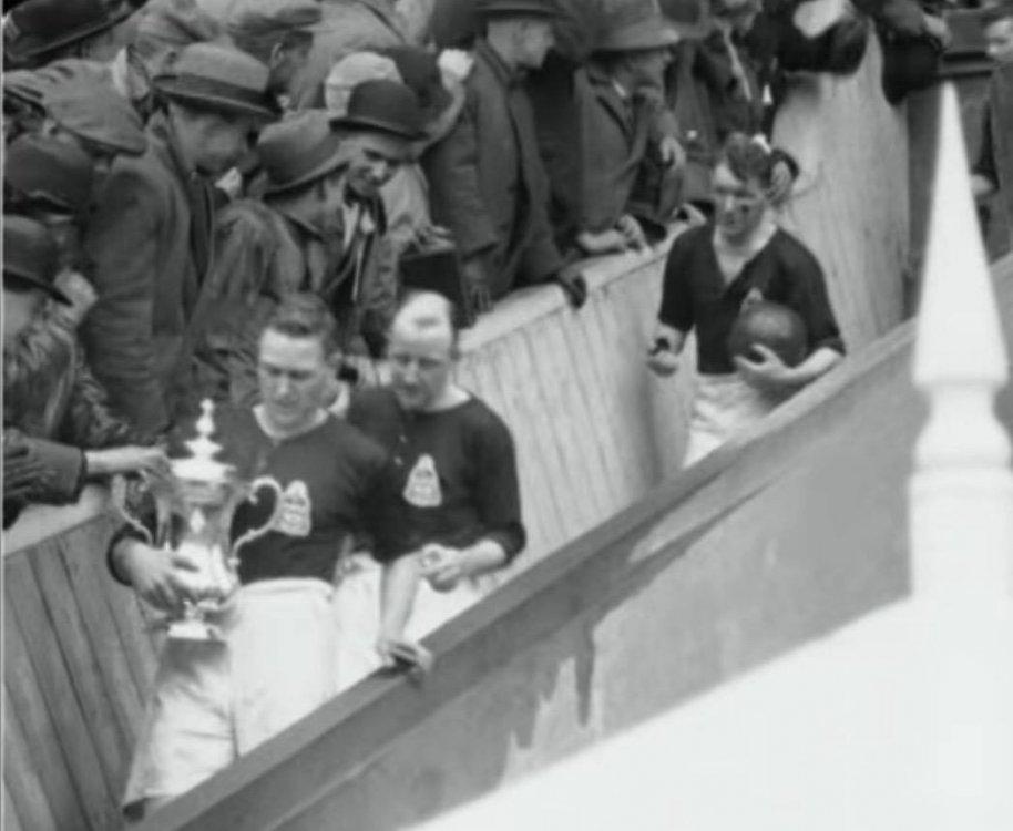 Harry Healless, Captain of Blackburn Rovers, FA Cup winners 1928.jpg