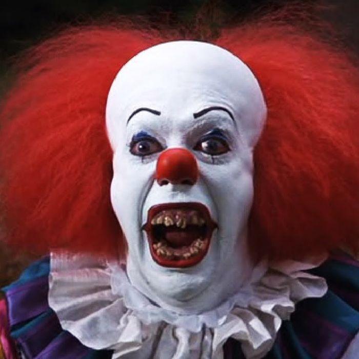 c381b0aa9a68758e0f99d7df8ac75ad0f7-17-clowns-pennywise.rsquare.w700.jpg